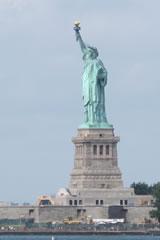 自由の女神像(1886年完成)、 2012年英文学科アメリカ現地実習にて撮影