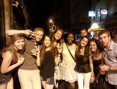 留学生との交流パーティーで